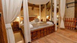 Udvarház tetőtéri standard szoba pótágyazható