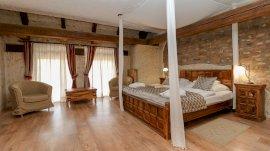Udvarház emeleti standard szoba