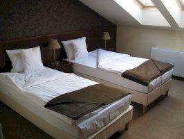Standard,tetőtéri kétágyas szoba